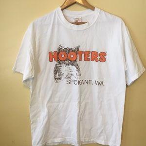 Unisex Sz Lrg Hooters T-shirt White Tee Spokane WA